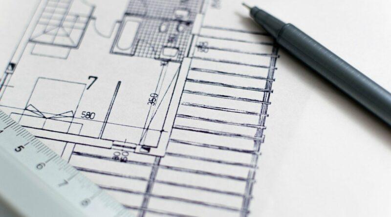 plan architecte avec crayon et règles