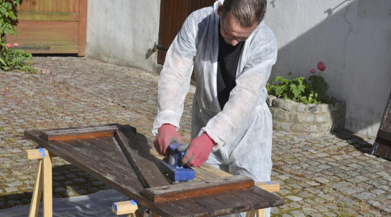 décaper ses volets en bois